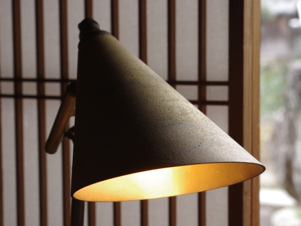 futagami-desk-lamp-10