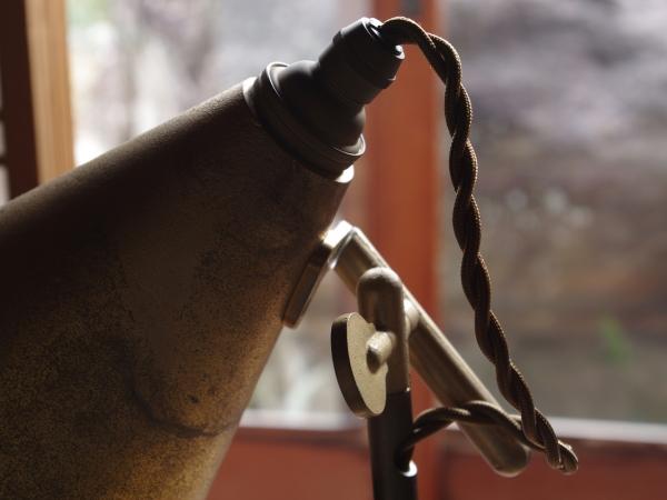 futagami-desk-lamp-11