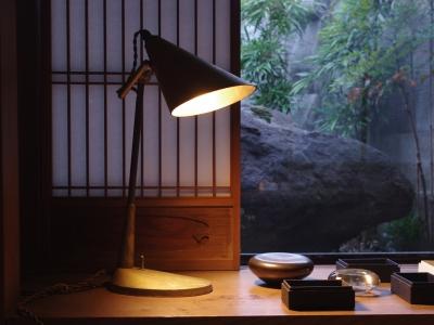 futagami-desk-lamp-2