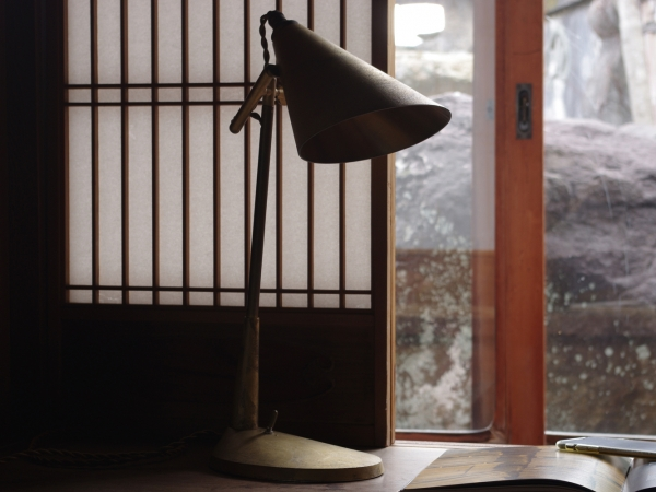 futagami-desk-lamp-5