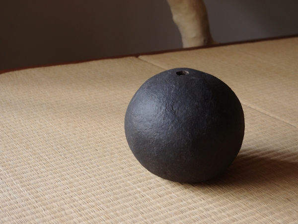 black sphere M-b-1