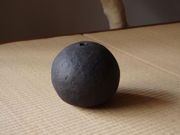 black sphere M-c-1