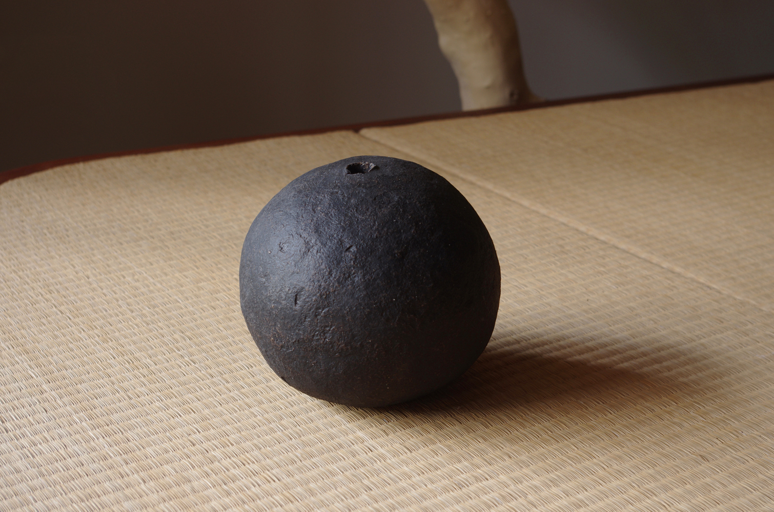 black sphere M-c-1