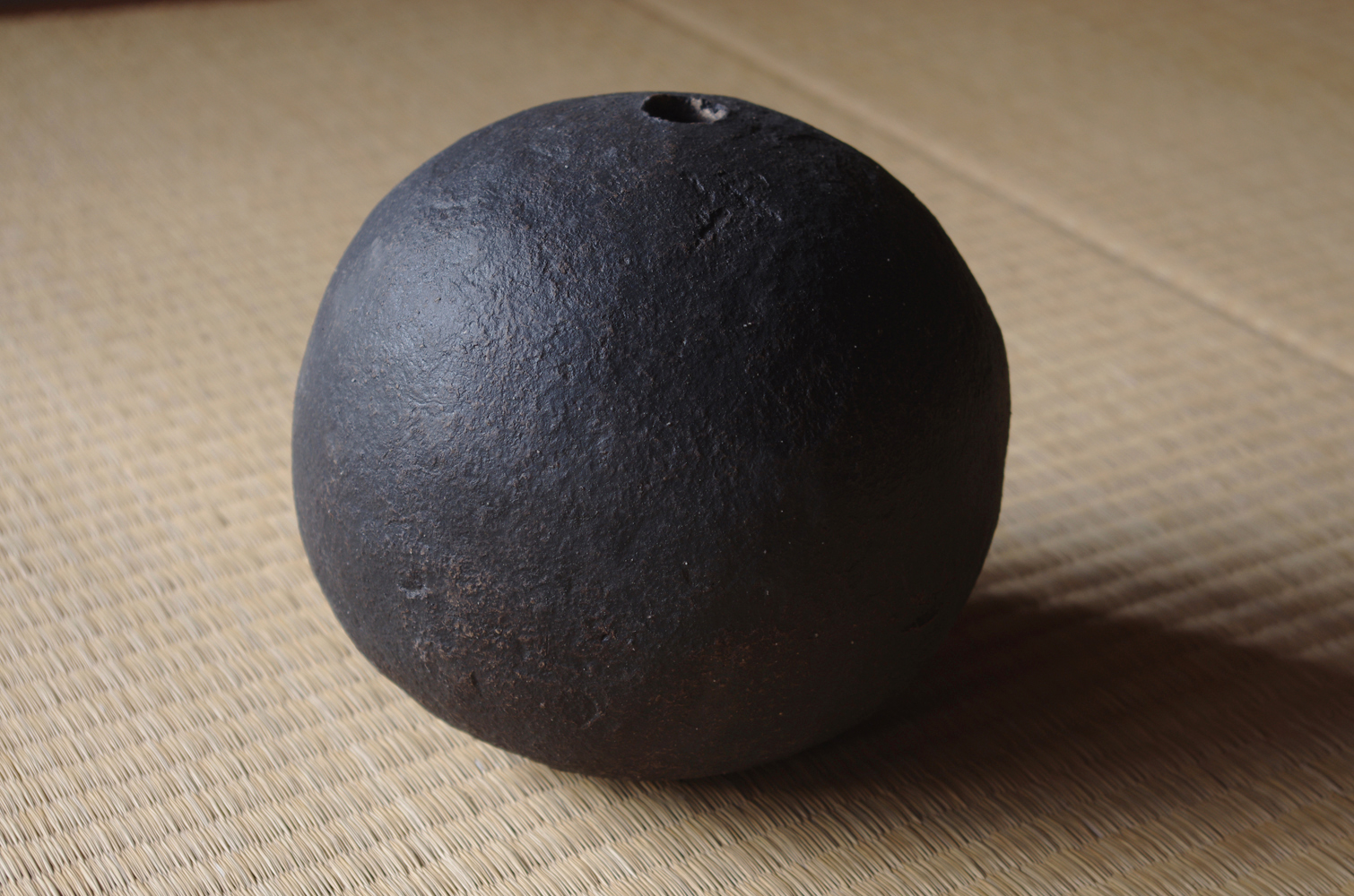 black sphere M-c-2