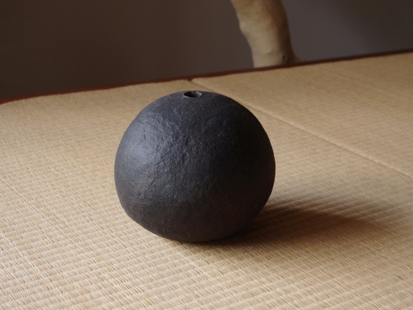 black sphere M-d-1