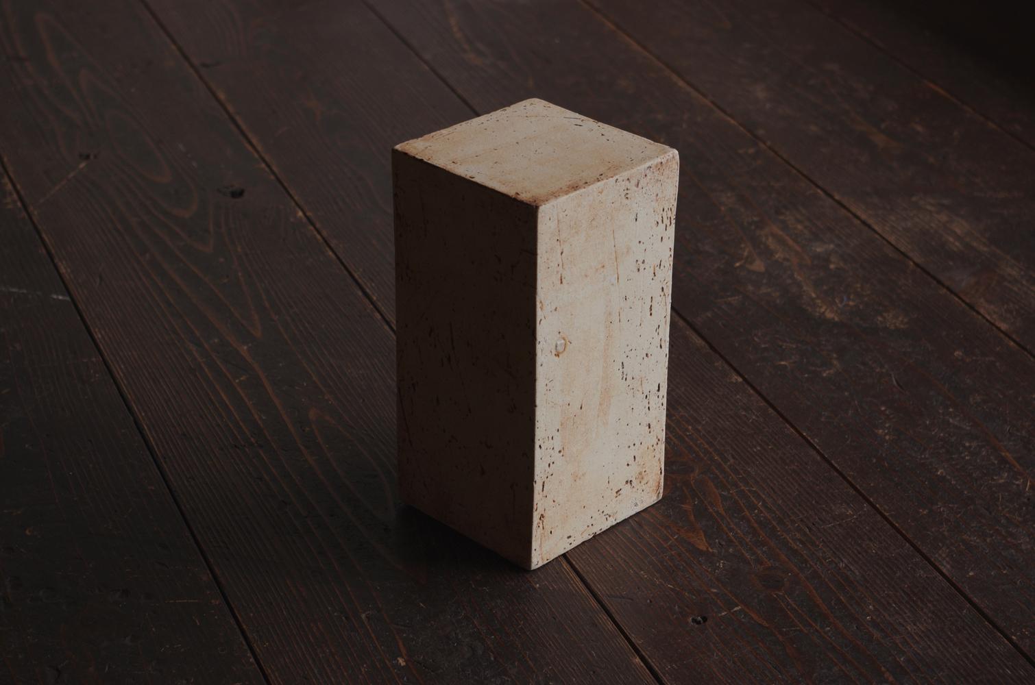 white cube-3