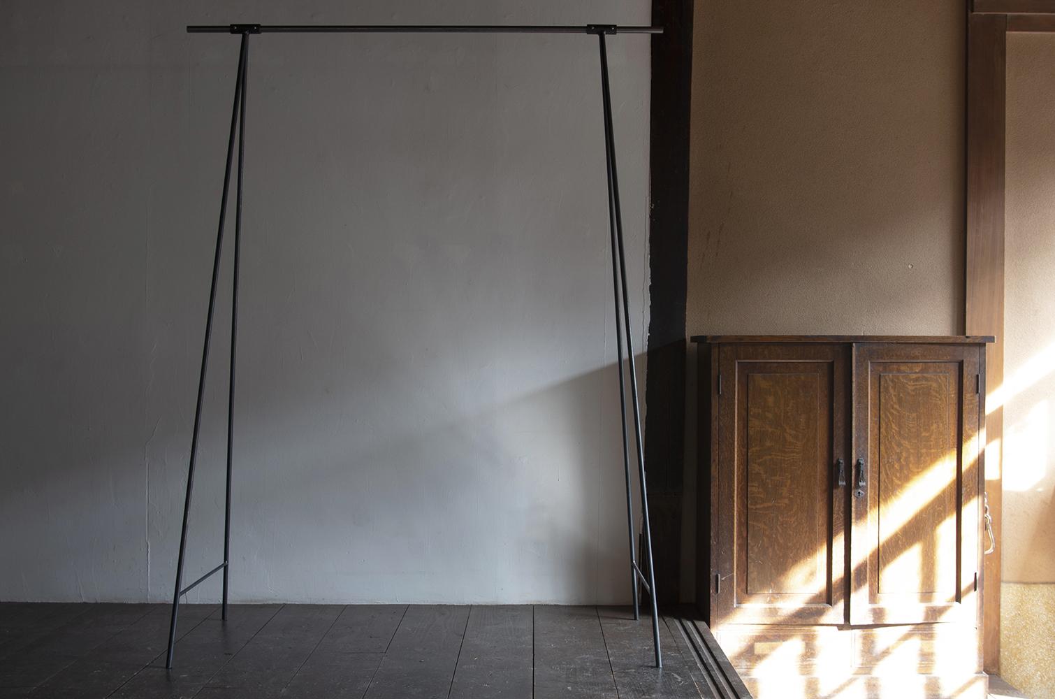 tipura studio hanger rack-1